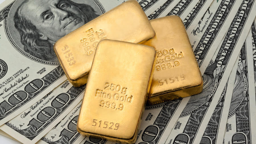 Gold Rises on Weaker Dollar, Geopolitical Tensions
