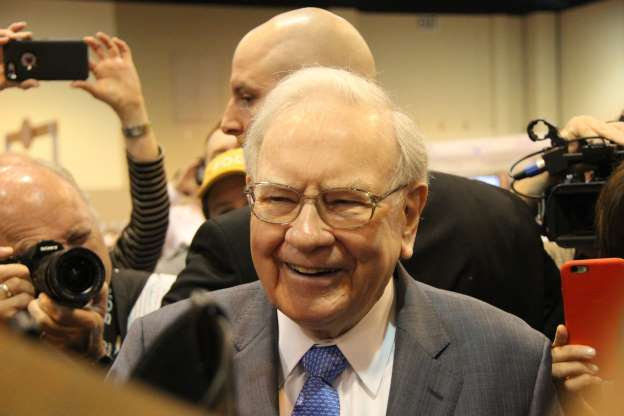This Favorite Warren Buffet Metric Tells Us A Stock Market Crash Could Be Coming